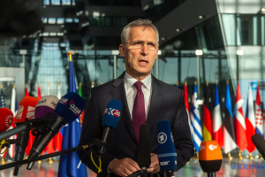 Stoltenberg calls on NATO countries to expand support to Ukraine