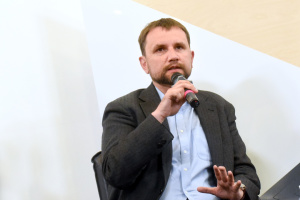 Вятрович — об идее декоммунизационных референдумов: Разумков не знает законов