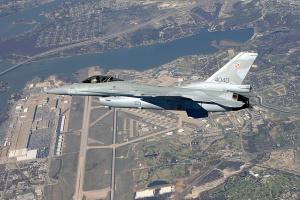 Україні необхідно взяти на озброєння американські F-15 та F-16 - Чалий