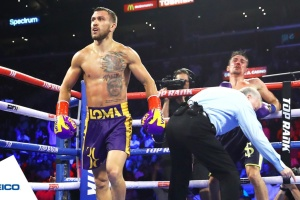 Lomachenko defeats Crolla, retains WBO and WBA lightweight titles