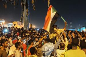 У Судані демонстранти продовжують вимагати передати владу цивільній адміністрації