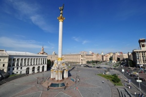 В Киеве впервые за много лет помоют Стелу Независимости
