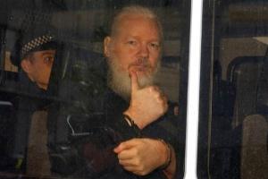 Шведська прокуратура запросила ордер на арешт Ассанжа