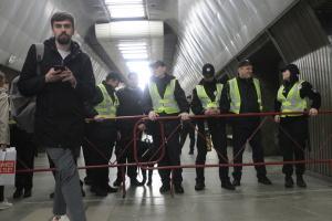 В Киеве через дебаты закрыли три станции метро