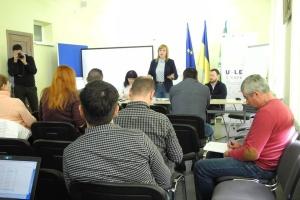 У Чернівцях обговорили, як депутату стати ефективним менеджером громади
