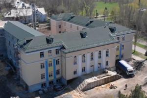 В Красногоровке отстроили опорную школу, обстрелянную российской артиллерией