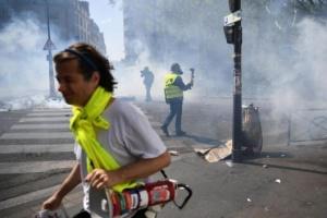 """Протесты """"желтых жилетов"""": в Париже задержали уже 189 человек"""