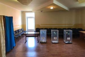 ドネツィク州の投票所1か所が開かず