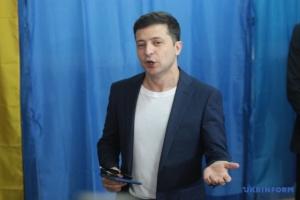 ゼレンシキー候補、「DPR・LPRの義勇兵」と発言したことにコメント