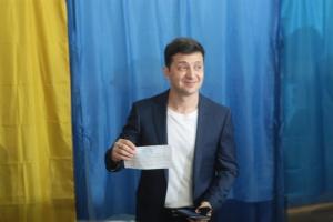 ゼレンシキー次期大統領からの選挙時の記入済み投票用紙の提示につき罰金徴収が確定
