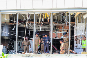 Число погибших в результате взрывов на Шри-Ланке достигло 215