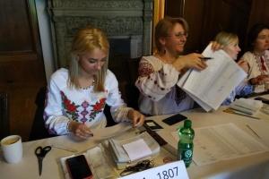 Українці Австрії активно голосують в другому турі президентських виборів
