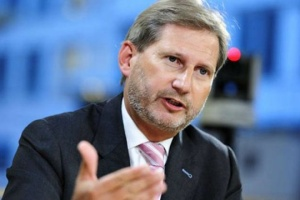 EU Commissioner Hahn calls on Zelensky to fight corruption vigourosly