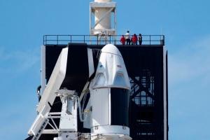 SpaceX успішно випробувала пасажирський космічний корабель Crew Dragon