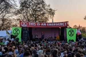 """У Лондоні затримали вже понад тисячу """"кліматичних"""" активістів"""