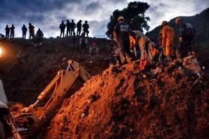 Два зсуви ґрунту у Китаї: один загиблий, шестеро зниклих безвісти
