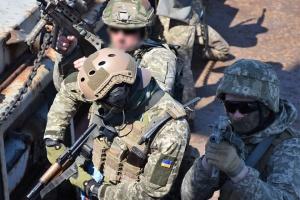 Морський спецназ ЗСУ відпрацьовує ведення ближнього бою