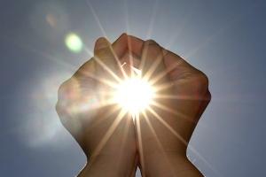 В Україну йде справжнє тепло: якою буде погода аж до Великодня