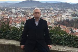 Організатор Шевченківських флешмобів у Росії Володимир Любунь святкує 70-річчя