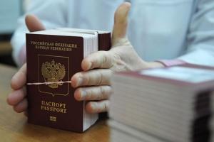 Паспортизація Донбасу: Путін хоче, щоб Зеленський продовжив курс Порошенка?