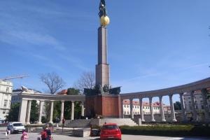 Посол України в Австрії сподівається на камери біля пам'ятника радянським воїнам