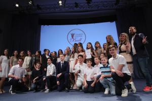 У Києві нагородили кращих дебютантів дитячого Віденського балу