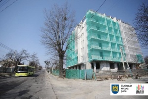 В Україні вперше знесли незаконну багатоповерхівку