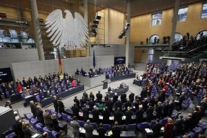 """У Меркель заверяют, что решение Бундестага ничего не меняет в """"газовых"""" правилах ЕС"""