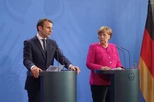 Merkel et Macron discutent avec Poutine de la « passeportisation » du Donbass occupé