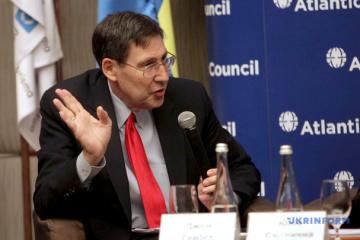 John Herbst: Ucrania continuará su rumbo hacia Occidente sin importar el resultado de las elecciones