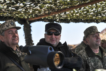 NSDC Secretary Turchynov greets infantry soldiers on professional holiday