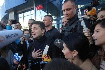 Selenskyj vergibt Freikarten zu Debatte in Olympiastadion