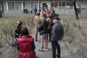 6000名強のクリミア住民、大統領選挙決選投票のために投票場所を変更