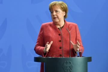 """Merkel insiste en continuar con el """"Minsk"""""""