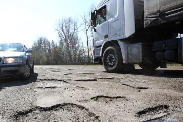 Omeljan: Für Sanierung aller Straßen braucht man 10 Jahre und eine Billion UAH