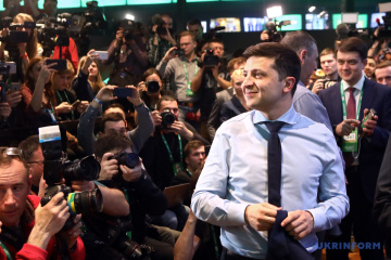 Zelensky gets 73% of vote, Poroshenko 25.5% in presidential run-off – National Exit Poll