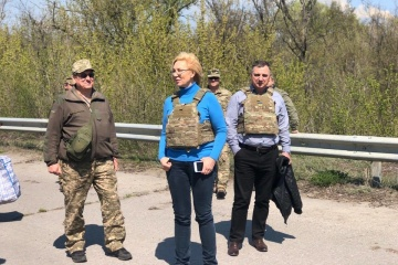Sixty more convicts transferred from occupied Donbas to government-controlled Ukraine