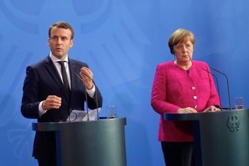 """Merkel y Macron han tratado con Putin la """"pasaportización"""" del Donbás ocupado"""