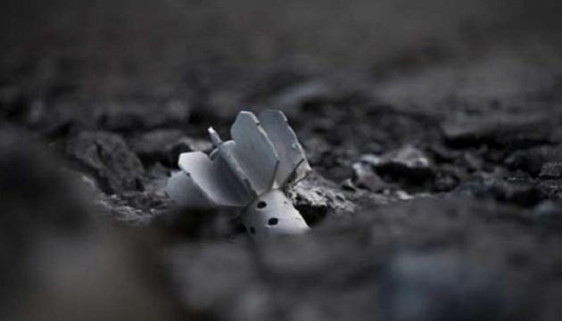 Оккупанты размещают запрещенные мины вдоль линии фронта на Донбассе
