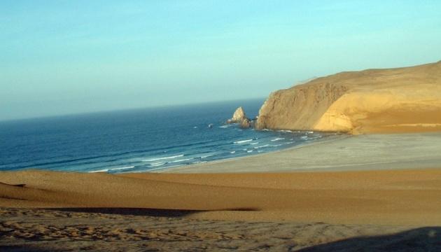 У Перу через коронавірус закрили всі пляжі