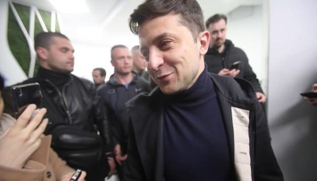 У Порошенко хотят, чтобы Зеленский сдал волосы - основной анализ на наркотики