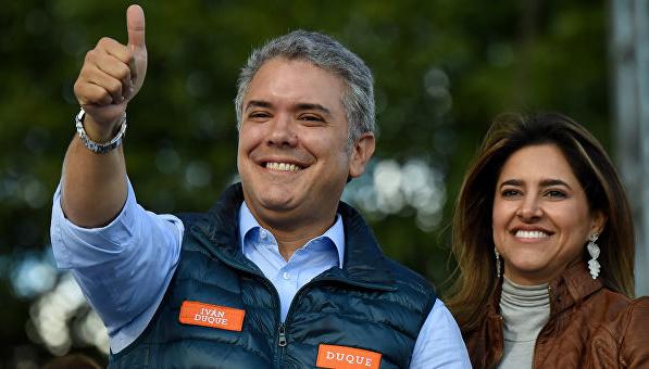 Колумбія пропонує майже $800 тисяч за інформацію про нападників на вертоліт президента