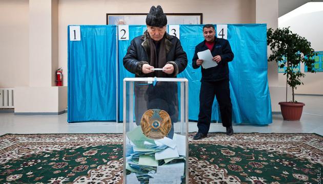 На виборах у Казахстані лідирує владна партія