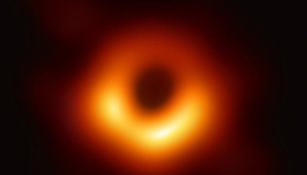 Астрономи вперше показали чорну діру