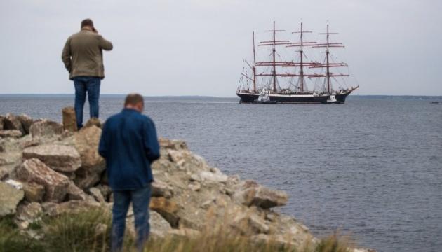 Российский парусник не пустили в Эстонию из-за