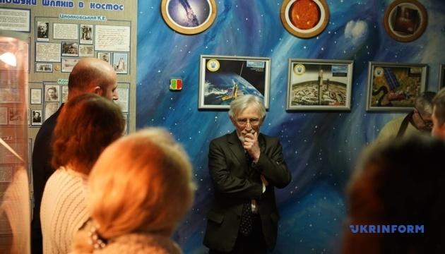У Музеї авіації та космонавтики Чернівців провели безкоштовну екскурсію