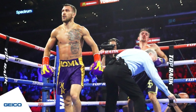 Lomachenko defeats Crolla, retains WBO and WBA lightweight titles