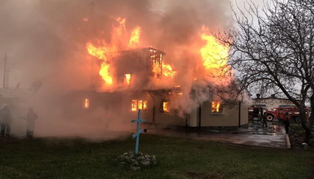 На Харківщині згорів Свято-Миколаївський храм
