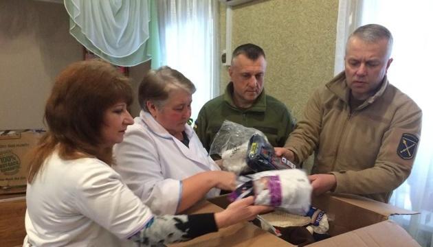 Від початку ООС медзакладам Донеччини передали гуманітарну допомогу на 5,8 мільйона