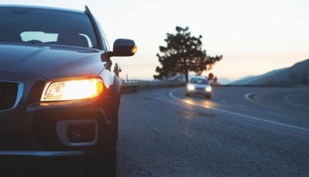 Японія планує відмовитися від продажів авто з бензиновими двигунами